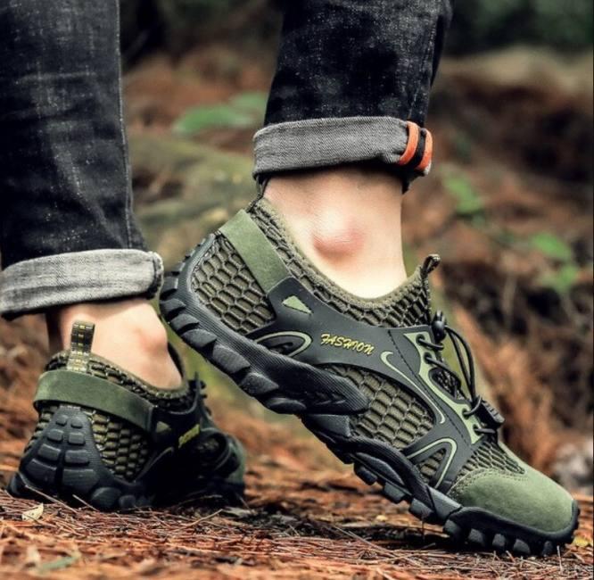 Climbing hiking shoes for men
